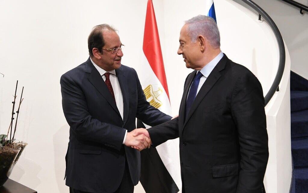 """פגישת ראש הממשלה בנימין נתניהו עם ראש המודיעין הכללי המצרי עבאס כאמל, 30 במאי 2021 (צילום: עמוס בן גרשום/לע""""מ)"""