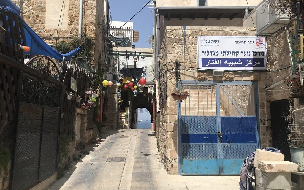 שבועות ספורים אחרי הפרעות בעיר, סמטאות העיר העתיקה ריקות (צילום: אמיר בן-דוד)