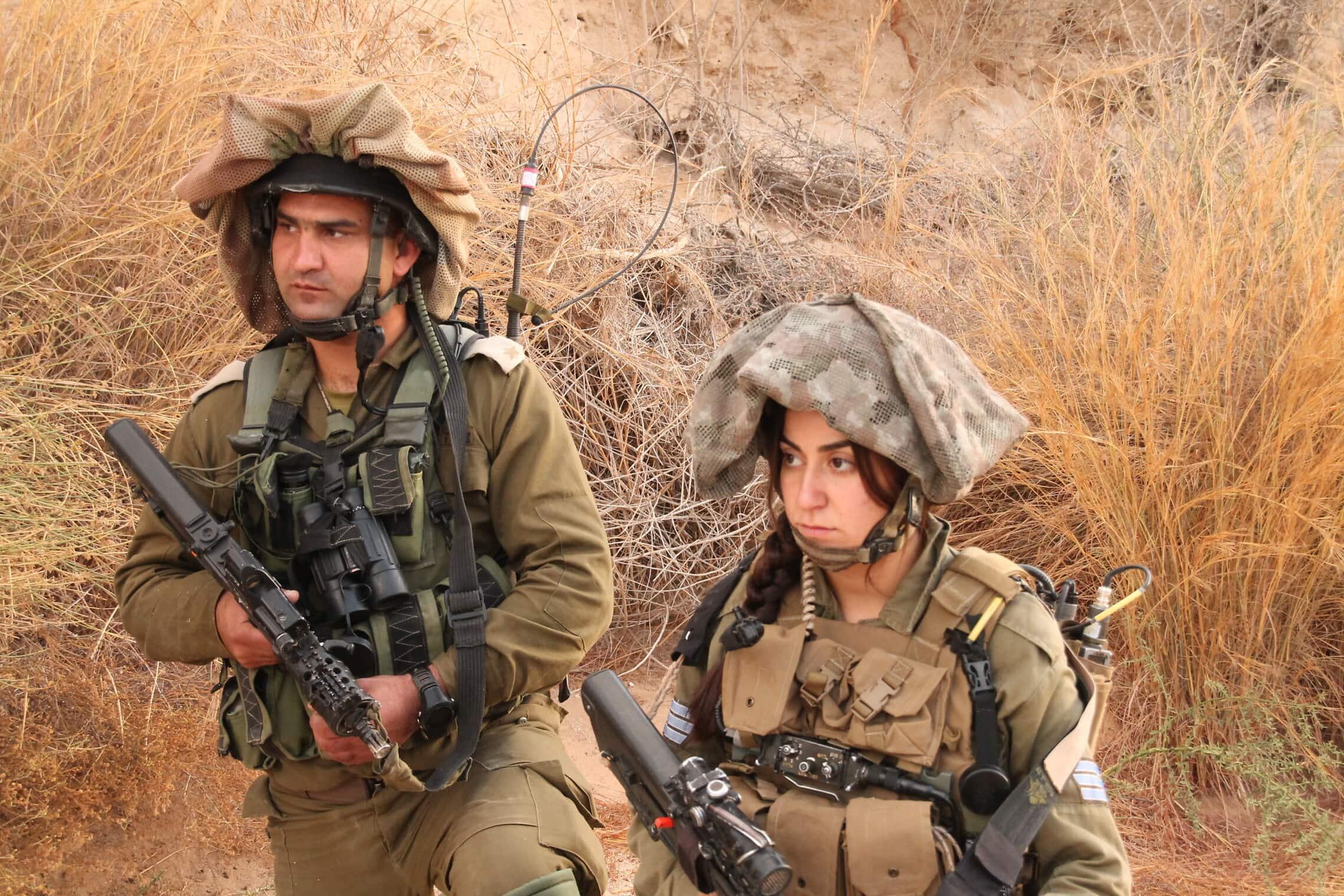 """לוחמת ולוחם בגדוד קרקל במהלך תרגיל גדודי (צילום: דובר צה""""ל)"""