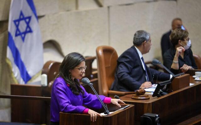 איילת שקד נואמת לקראת ההצבעה על חוק האזרחות, 6.7.2021 (צילום: נועם מושקוביץ, דוברות הכנסת)