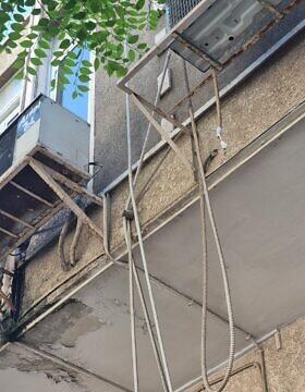 צנרת מזגנים טיפוסית בתל אביב (צילום: אביב לביא)