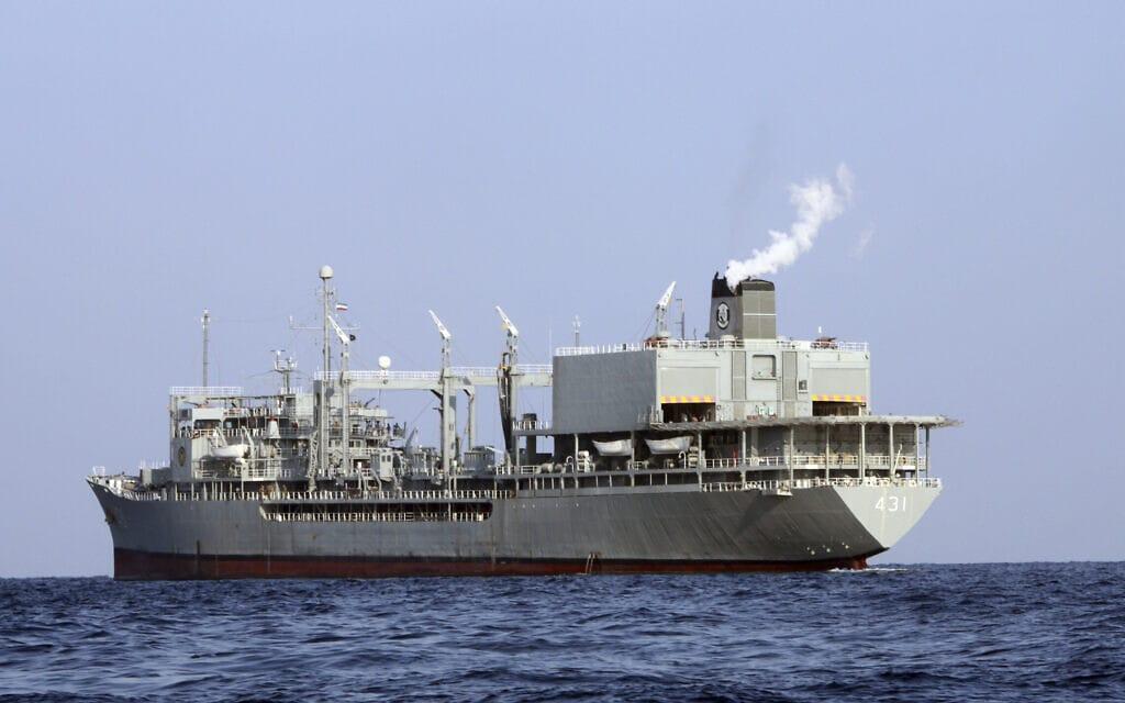 ספינת חיל הים האיראני חארג' (צילום: Iranian army via AP)