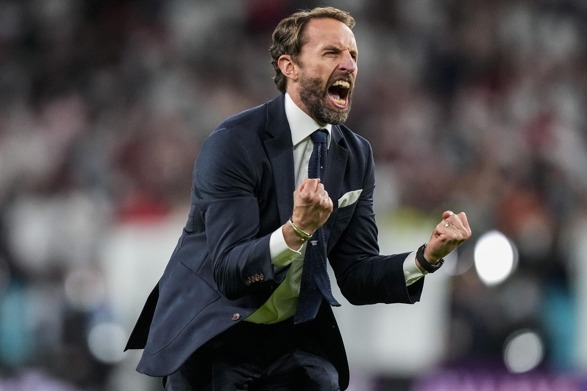מאמן נבחרת אנגליה בכדורגל גארת' סאות'גייט אחרי הניצחון על דנמרק בחצי הגמר ביורו 2020, 7 ביולי 2021 (צילום: AP Photo/Frank Augstein)