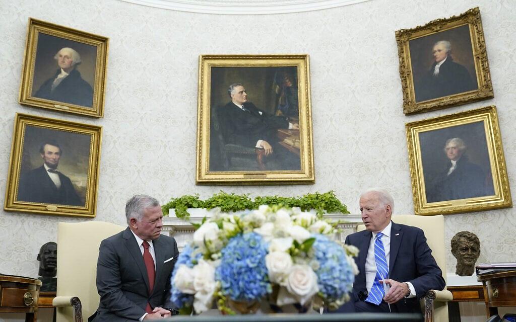 הנשיא ג'ו ביידן ועבדאללה מלך ירדן בפגישה בבית הלבן, 19 ביולי 2021 (צילום: AP Photo/Susan Walsh)