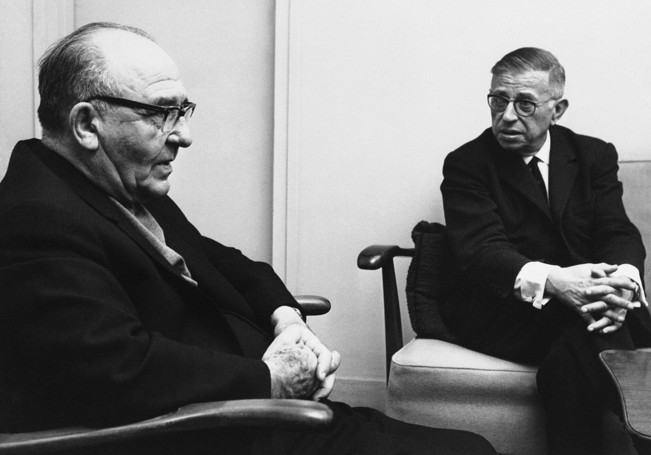 ז'אן-פול סארטר בפגישה עם ראש הממשלה לוי אשכול בתל אביב, 29 במרץ 1967 (צילום: AP Photo)
