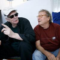 .השחקן והבמאי צבי שיסל והזמר אריק איינשטיין, 20 ביולי 2007 (צילום: Moshe Shai/Flash90)