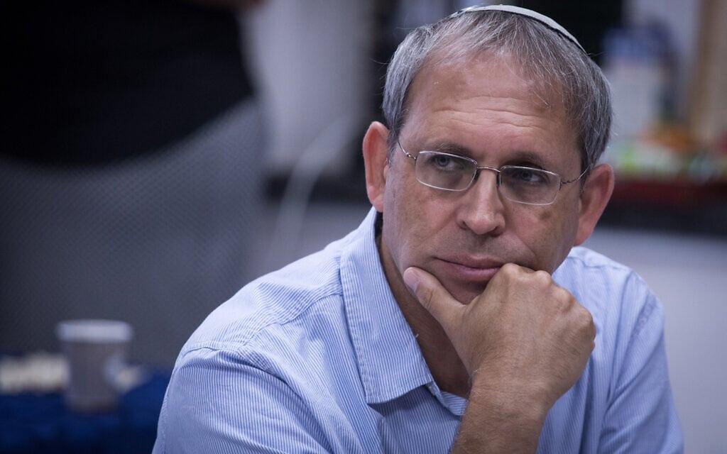 העיתונאי והסופר נדב שרגאי (צילום: הדס פרוש/פלאש90)