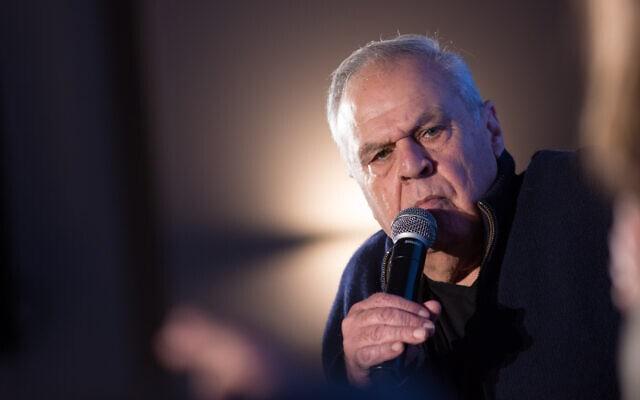 העיתונאי רוני דניאל בכנס מעריב בהרצליה, 25 בדצמבר 2019 (צילום: מרים אלסטר/פלאש90)
