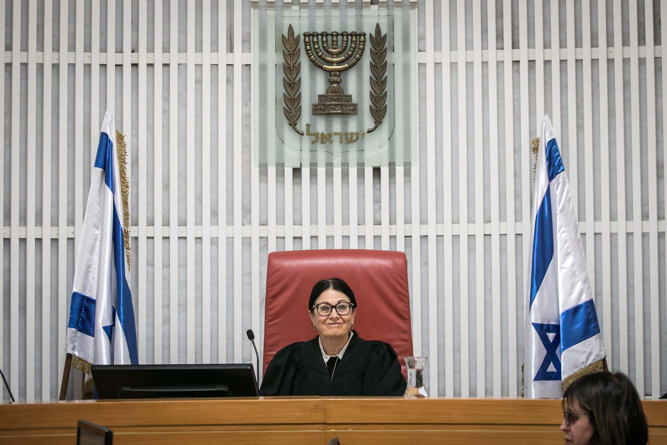 נשיאת בית המשפט העליון אסתר חיות (צילום: אוליבייה פיטוסי/פלאש90)