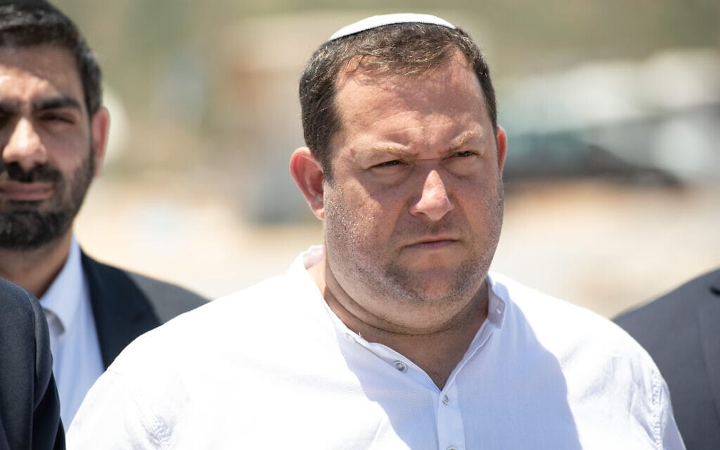 ראש מועצה אזורית שומרון יוסי דגן במאחז אביתר, 27 ביוני 2021 (צילום: שריה דיאמנט/פלאש90)