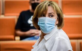 פאינה קירשנבאום בבית המשפט המחוזי בתל אביב לקראת הקראת גזר דינה, 14 ביולי 2021 (צילום: אבשלום ששוני/פלאש90)