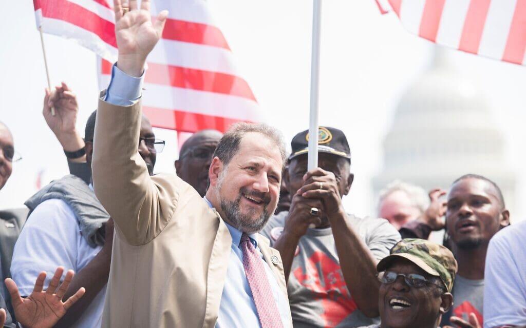 פול שטראוס בעצרת בשדרת פנסילבניה שבוושינגטון, 16 בספטמבר 2019 (צילום: Tom Williams/CQ-Roll Call, Inc דרך Getty Images)