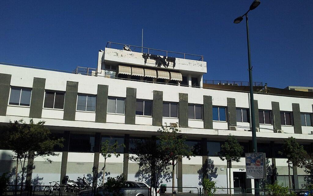 """בניין מערכת """"הארץ"""" ברחוב שוקן, תל אביב (צילום: באדיבות """"העין השביעית"""")"""