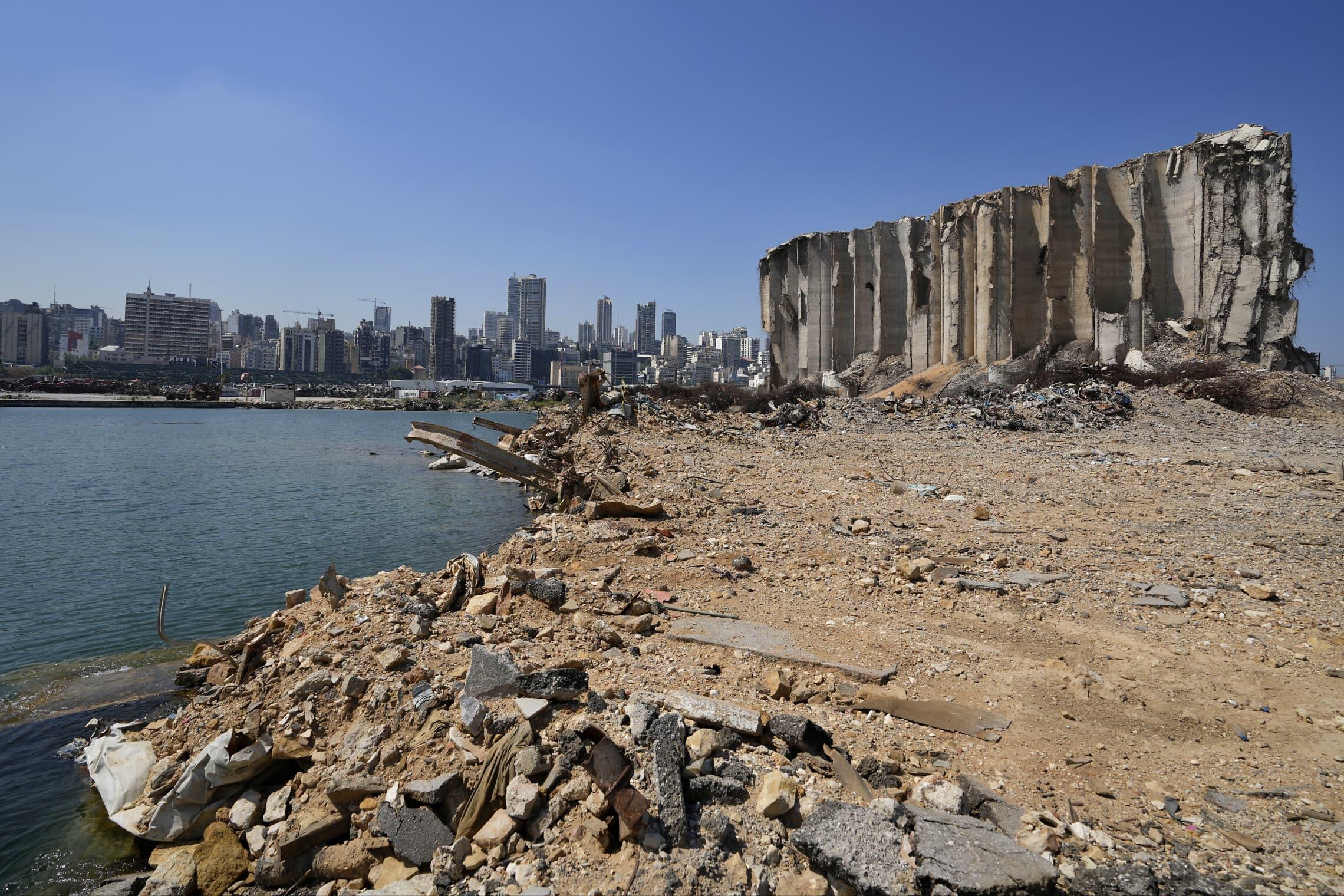 שנה אחרי הפיצוץ בנמל ביירות, 31 ביולי 2021 (צילום: AP Photo/Hassan Ammar)