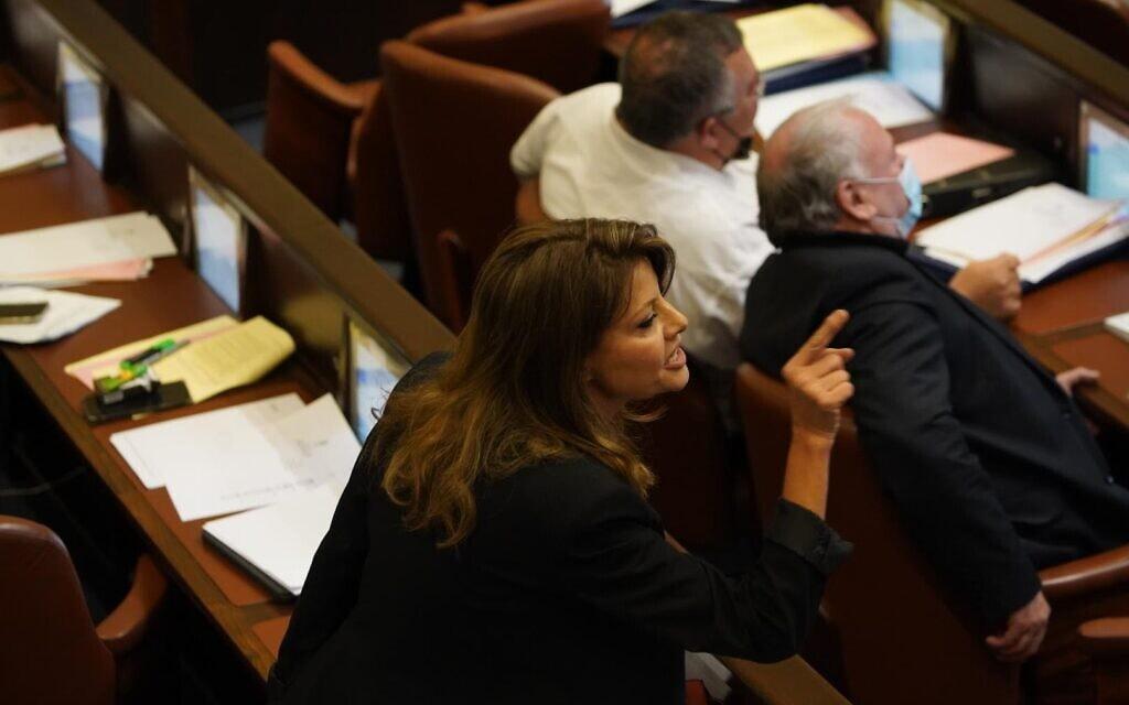אורלי לוי-אבקסיס במליאת הכנסת, 28 ביולי 2021 (צילום: דני שם טוב, דוברות הכנסת)