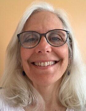 רוברטה (רוב) ולנטה היא עורכת דין העובדת עם ארגון JWI ואחת ממחברות הדוח שפורסם לאחרונה על יכולתן של הקהילות היהודיות בארצות הברית להגיב למצבים של אלימות במשפחה (צילום: באדיבות רוברטה (רוב) ולנטה)