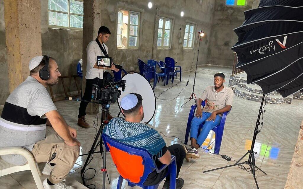 הקולנוענים מראיינים יהודי משבט האיגבו, יולי 2021