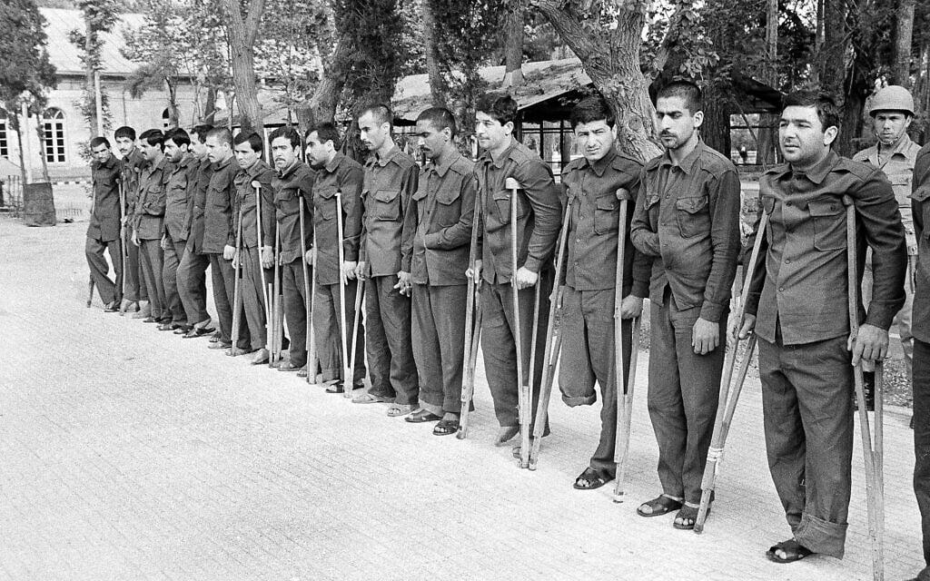 Iran-Iraq War Prisoners (צילום: AP Photo/Mohammad Sayyad)