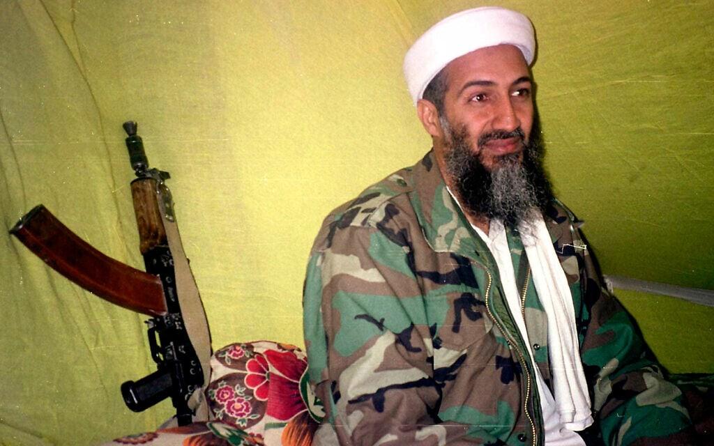 אוסאמה בן לאדן ב-1998 (צילום: AP Photo/Rahimullah Yousafzai)
