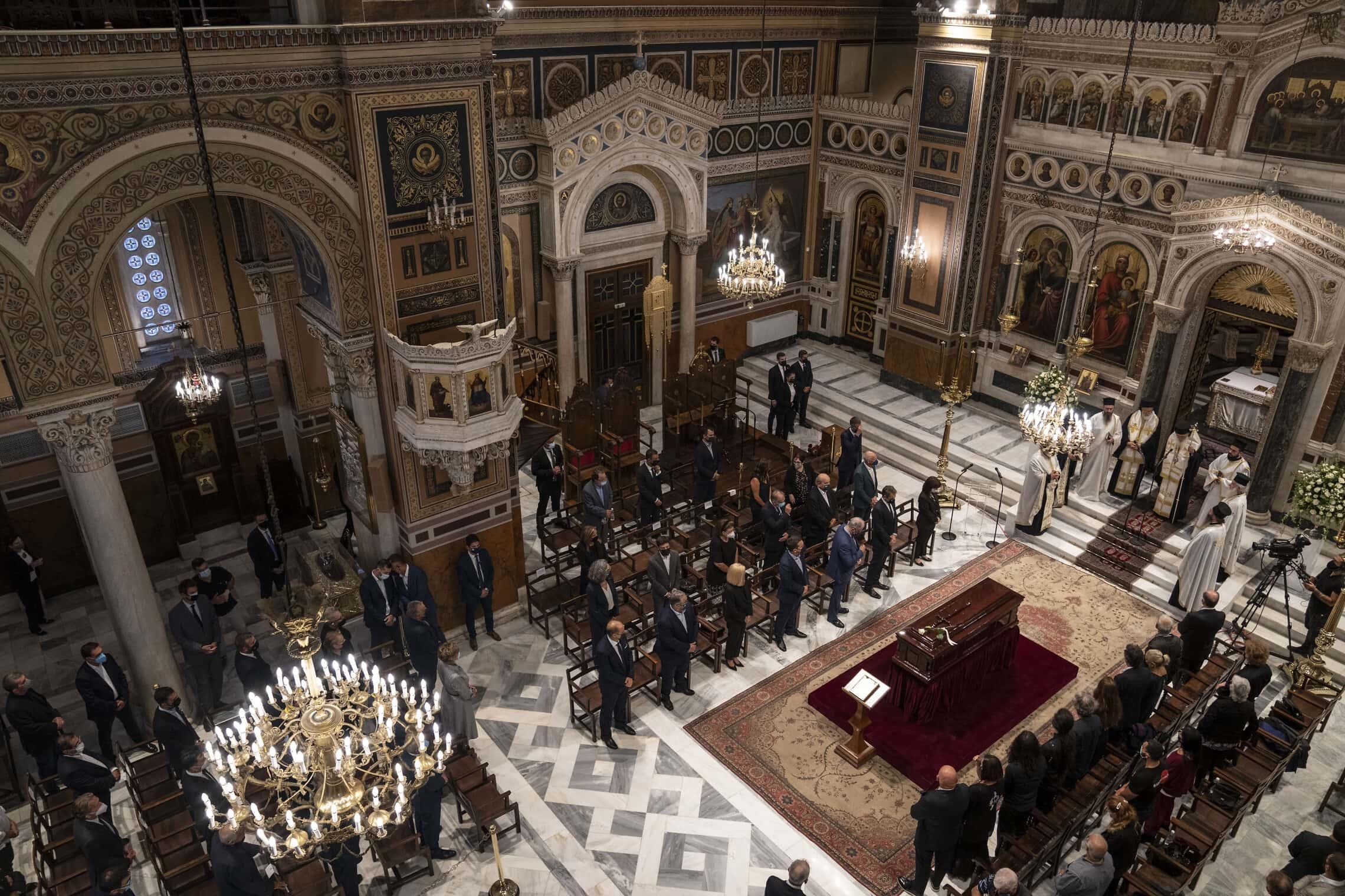 הלווייתו של מיקיס תאודוראקיס בקתדרלה באתונה, 8 בספטמבר 2021 (צילום: AP Photo/Petros Giannakouris)
