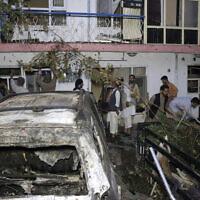 """הנזק לבית ולרכוש של משפחת אחמדי בקאבול בעקבות תקיפת המל""""ט האמריקאי ב-29 באוגוסט 2021. הפנטגון הודה ב-17 בספטמבר כי התקיפה הייתה """"טעות טרגית"""" (צילום: AP Photo/Khwaja Tawfiq Sediqi)"""