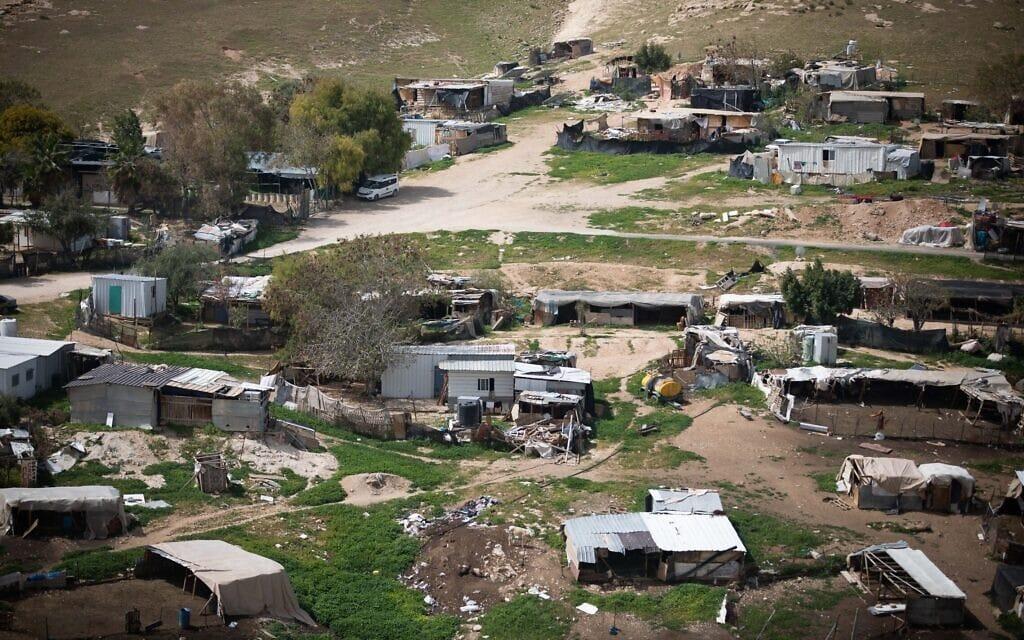 היישוב הבדואי חאן אל-אחמר במרץ 2021 (צילום: יונתן זינדל/פלאש90)