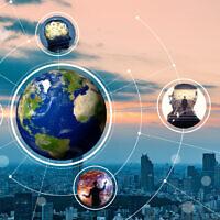 התפתחות תעסוקתית כחלק מרשת קשרים גלובלית, אילוסטרציה (צילום: iStock / metamorworks)