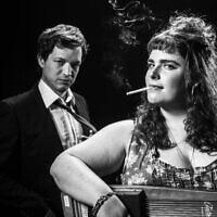 """נעם פרתום ויונתן כנען במופע """"שירים מהבידיבום"""", 2013 (צילום: איליה מלניקוב, ויקיפדיה)"""