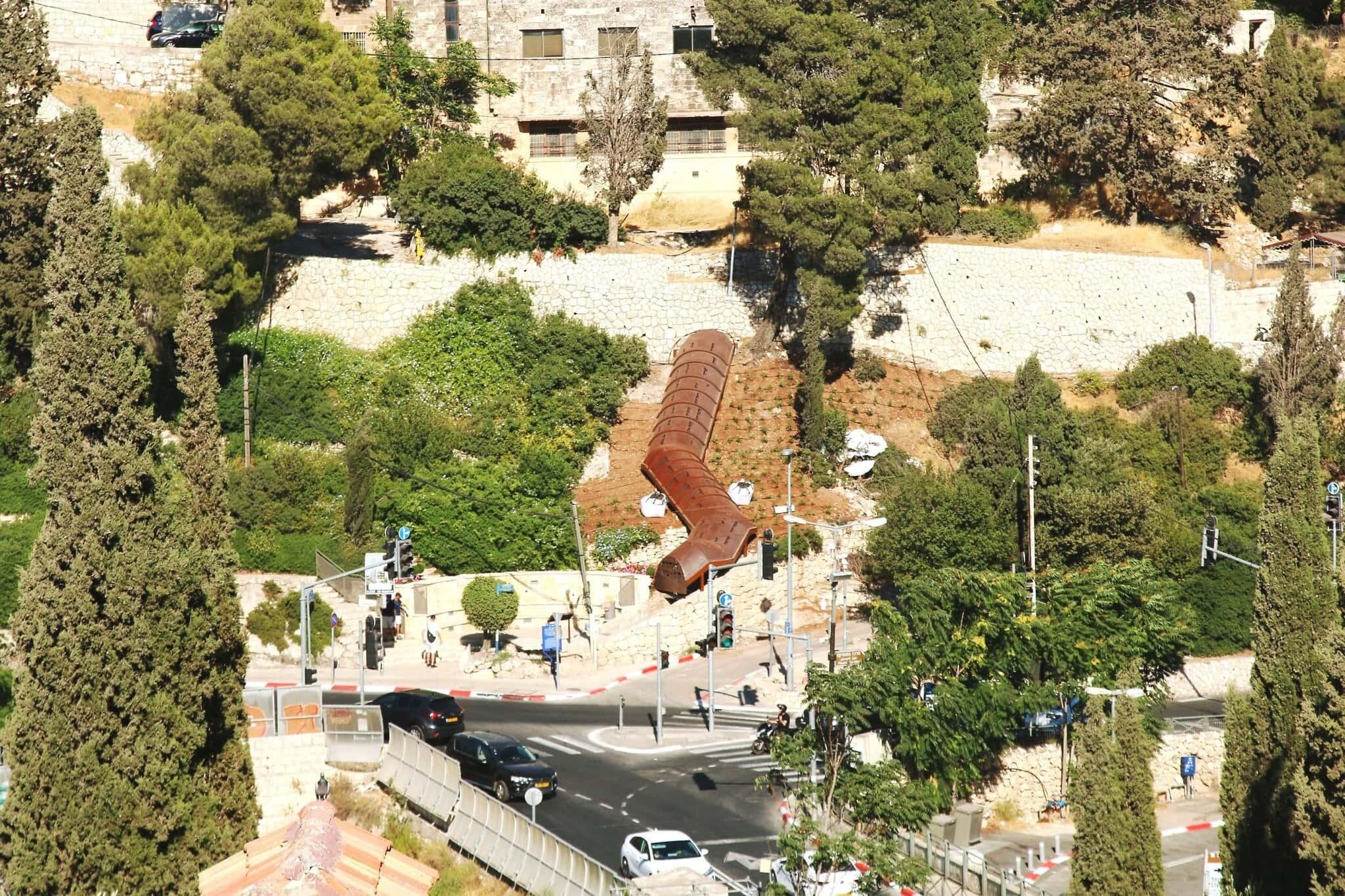 מבט-על על מנהרת הר ציון המשופצת (צילום: שמואל בר-עם)