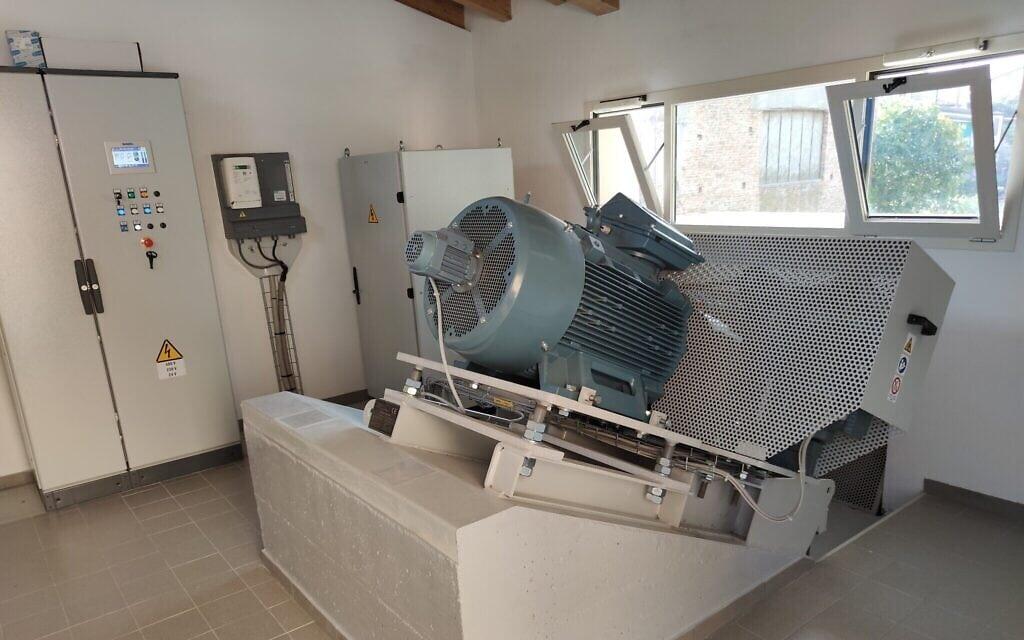 הגנרטור ההידראולי בטחנת סן ג'וזפה בקנטו סול'אוליו, צפון איטליה (צילום: Courtesy)