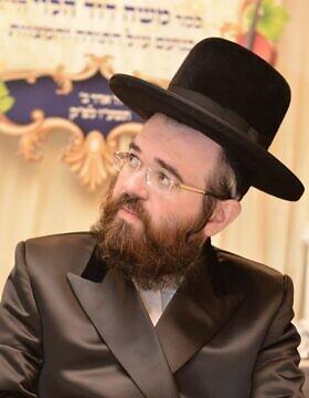 הרב מרדכי אנגלמן (צילום: עמוד הפייסבוק של הרב מרדכי אנגלמן)