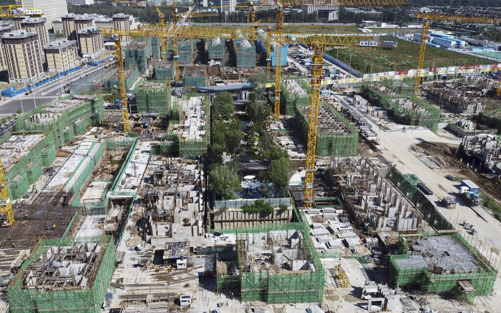 אתר בניה בבייג'ינג של חברת אברגרד, ספטמבר 2021 (צילום: AP Photo)