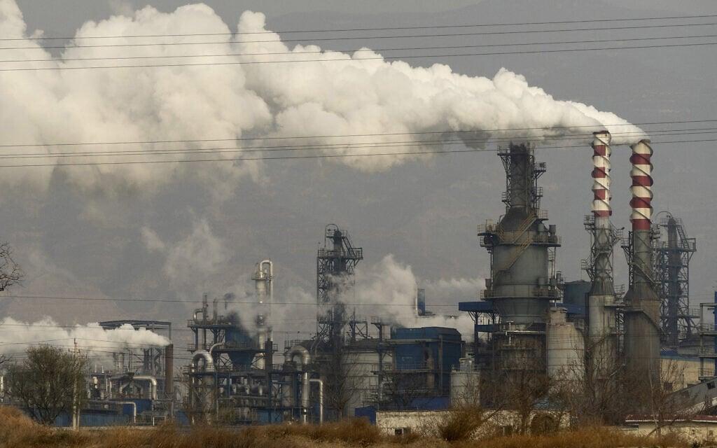 תחנת פחם בהיג'ין במרכז מחוז שנז'י בסין (צילום: AP Photo/Olivia Zhang)