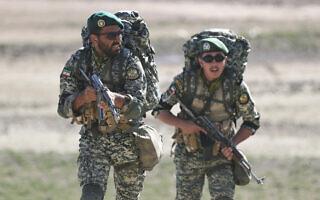 חיילי צבא איראן בתרגיל על גבול אזרבייג'ן, 1 באוקטובר 2021 (צילום: Iranian Army via AP)