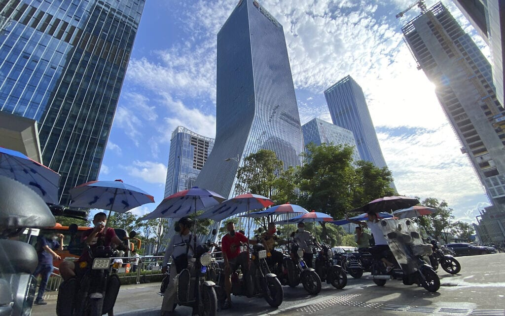 המשרדים הראשיים של חברת אברגרנד בשנזן, סין (צילום: AP Photo/Ng Han Guan)