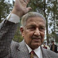עבד אל-קדיר חאן בבירת פקיסטן, אסלאמאבאד, 26 בפברואר 2013 (צילום: AP Photo/B.K. Bangash, File)