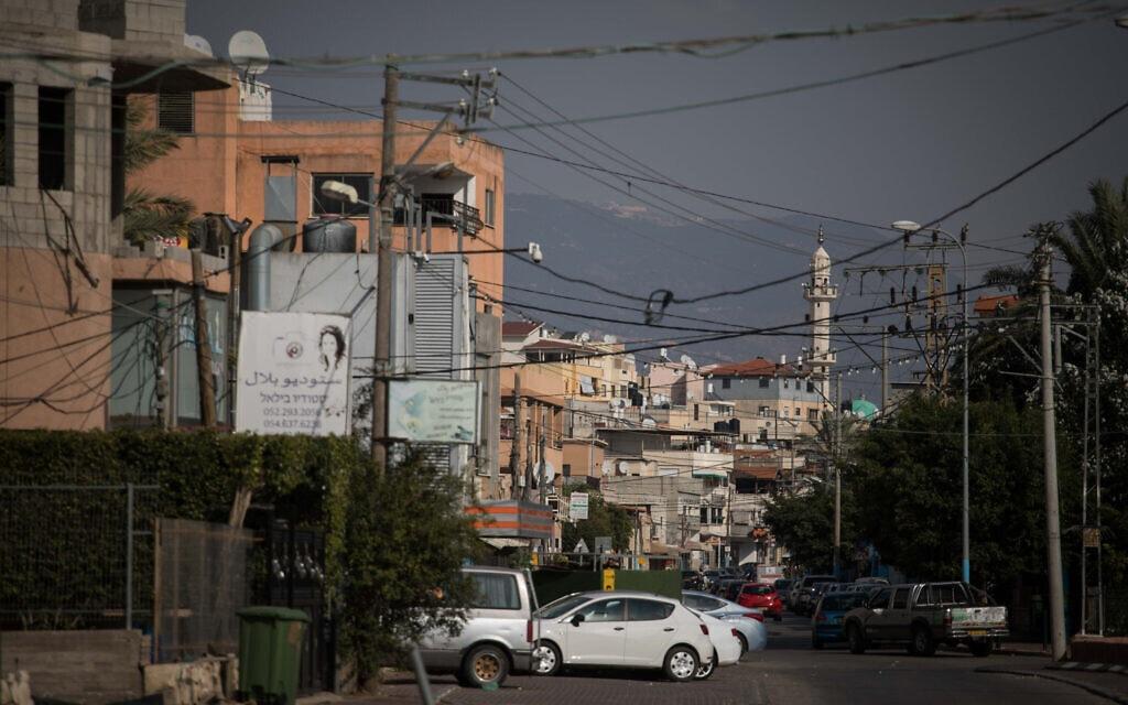 מבט על הרחוב הראשי של הכפר הערבי-ישראלי מג'ד אל-כרום שליד כרמיאל, 8 בנובמבר 2017 (צילום: הדס פרוש, פלאש 90)