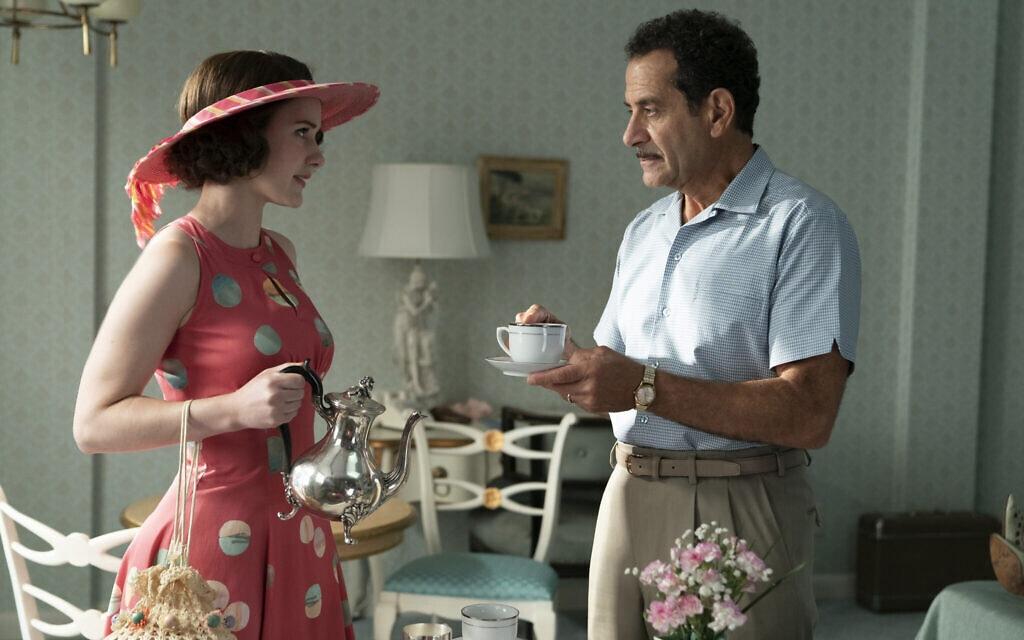 """טוני סלהוב ורייצ'ל ברונהאן, מתוך """"גברת מייזל המופלאה"""" (צילום: Amazon Studios)"""