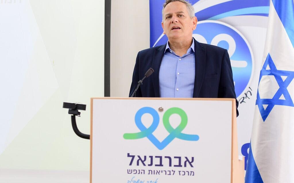 שר הבריאות ניצן הורוביץ בביקור בבית החולים לבריאות הנפש אברבאנל, 22 ביוני 2021 (צילום: אבשלום ששוני/פלאש90)