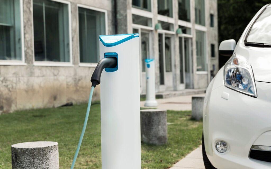 עמדת טעינה לרכב חשמלי. אילוסטרציה (צילום: Gngry)