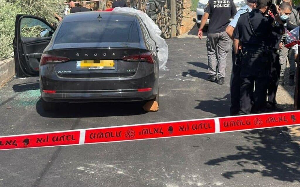 זירת הירי בכפר ראמה, שבו נורה למוות הפוליטיקאי[[יועץ שרת החינוך לחברה הערבית]] סאהר אסמאעיל, בן 50, ב-15 באוגוסט 2021 (צילום: משטרת ישראל)